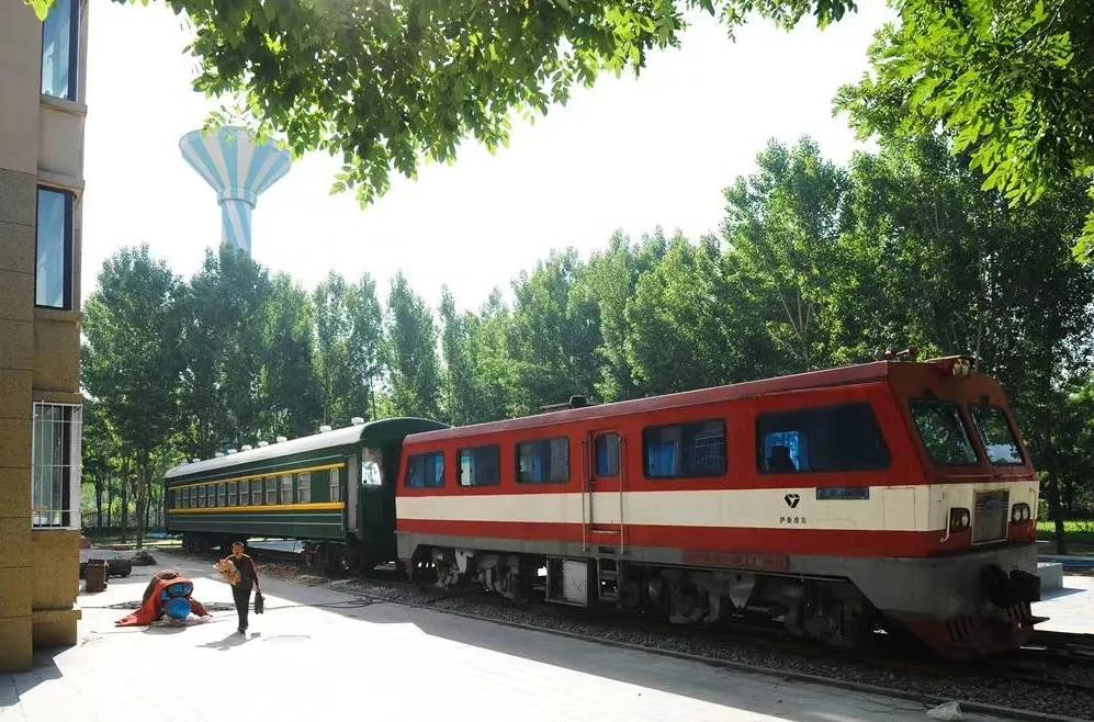 火车.webp.jpg