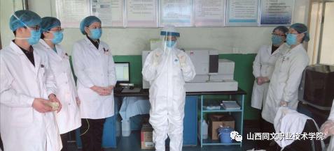 """学院就业明星系列报道——""""以病人为中心""""的王佩珏"""